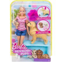 Barbie: Szőke hajú Barbie újszülőtt kutyusokkal