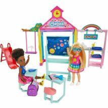 Barbie Chelsea Club: iskolai játékszett Chelsea babával