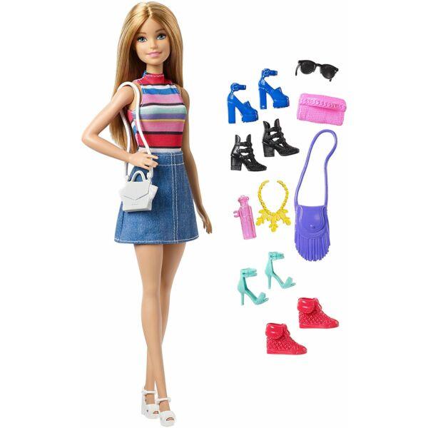 Barbie: szőke baba kiegészítőkkel
